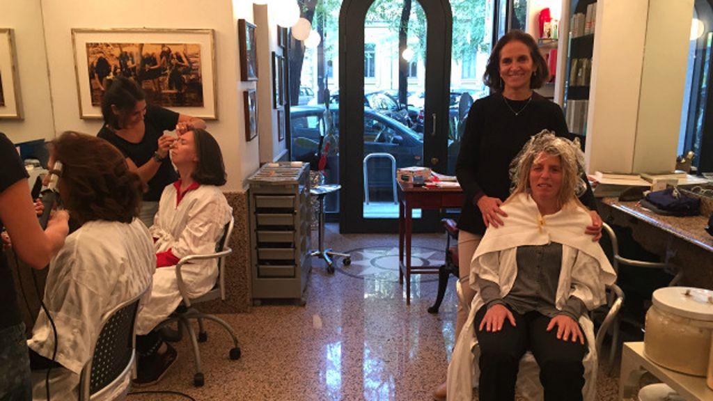 Salão na Itália ensina mulheres cegas a cuidar da própria beleza ...