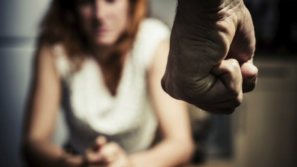 18 anos: a idade mais perigosa para mulheres no Brasil - BBC Brasil