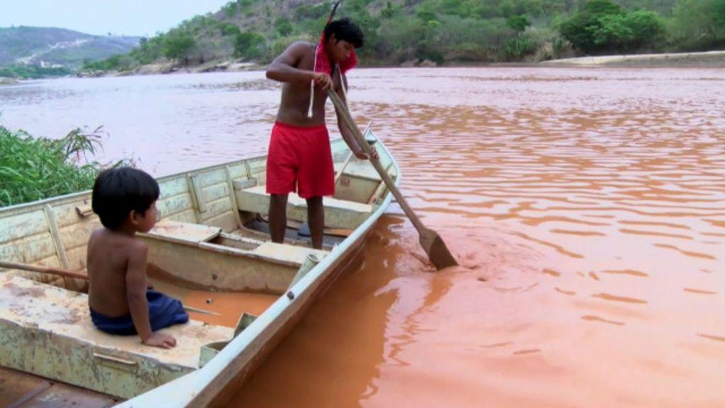 'Não podemos pescar, não podemos tomar banho, o rio morreu ...