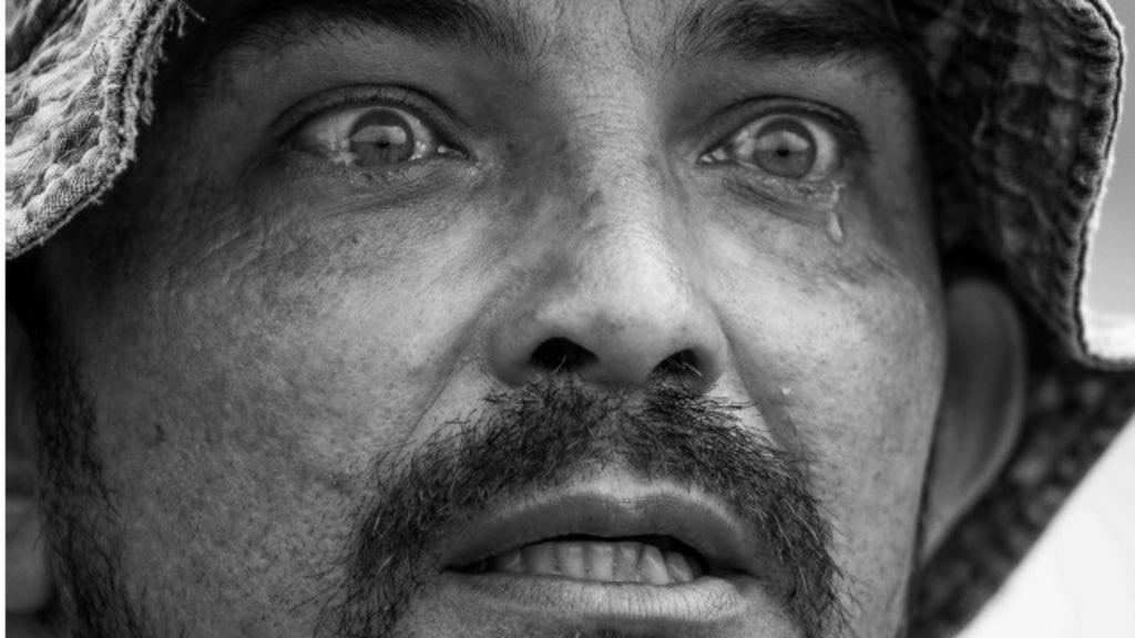A história por trás da foto do pescador que 'perdeu vida para a lama ...