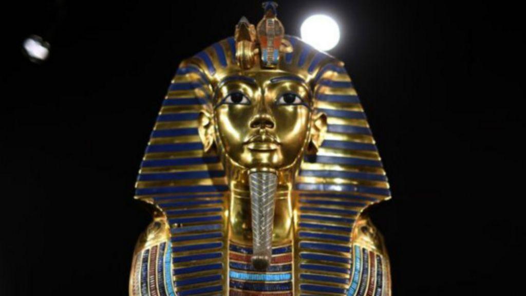 Especialistas investigam 'sala secreta' em tumba de Tutancâmon ...
