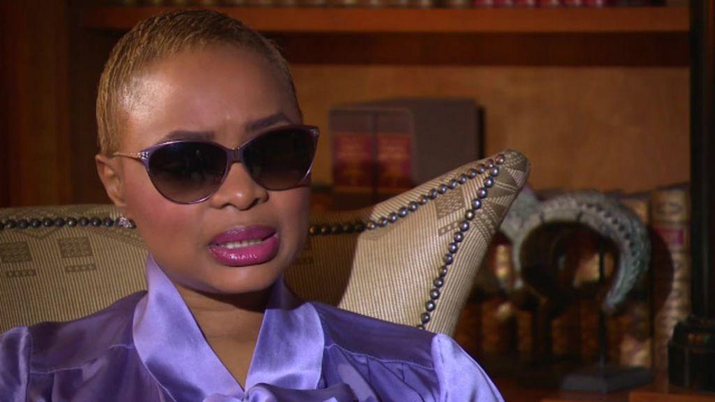'Meu ex- namorado me cegou', diz enteada de Mandela sobre ...