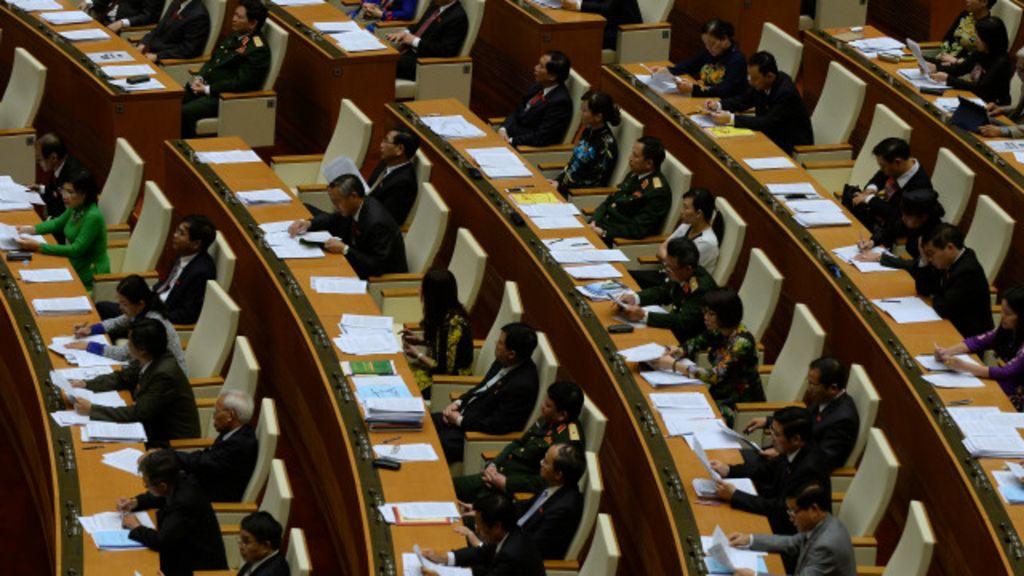 'Thức tỉnh người dân' về quyền ứng cử - BBC Tiếng Việt