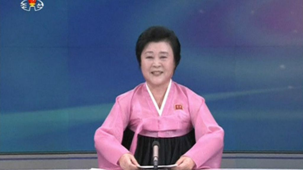 O momento em que TV da Coreia do Norte anuncia o teste de ...