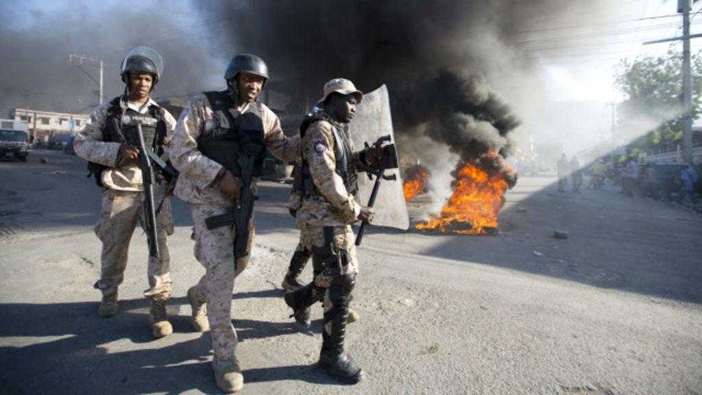 Onda de violência faz Haiti adiar eleições presidenciais - BBC Brasil