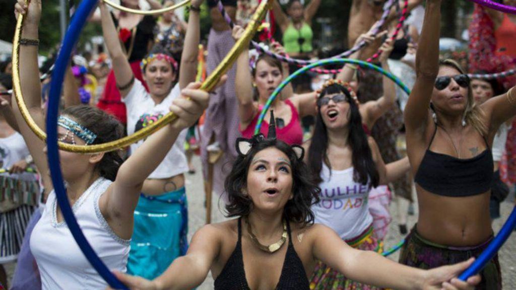 Mulheres se mobilizam por carnaval sem assédio