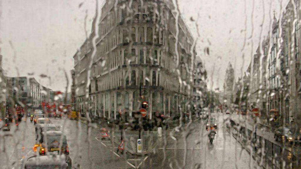 Fotógrafo registra Londres vista do interior de um ônibus de dois ...