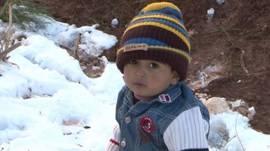 Niño refugiado sirio en campamento de Líbano