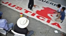 Estudiantes de la Normal de Ayotzinapa preparan una protesta. Foto: AFP/Getty