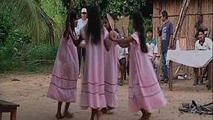 http://ichef.bbci.co.uk/news/ws/304/amz/worldservice/live/assets/images/2011/04/06/110406142107_sp_indigena_304.jpg