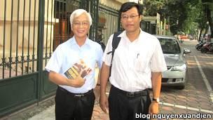 Giáo sư Chu Hảo và ông Nguyễn Xuân Diện
