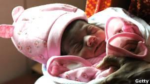 Tribunal de India prohíbe a Google, Microsoft y Yahoo publicitar pruebas de sexo de fetos