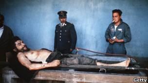 El cadáver de Ernesto Che Guevara