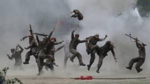 Tentara Korea Selatan memperagakan kembali peristiwa pertempuran Chuncheon, AP