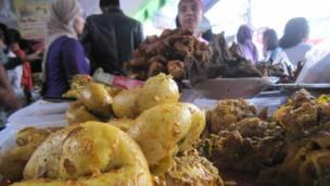 Pasar buka puasa Benhil