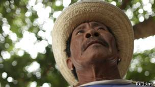 http://ichef.bbci.co.uk/news/ws/304/amz/worldservice/live/assets/images/2013/09/27/130927095252_indigena_304x171_reuters.jpg