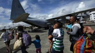 Evakuasi korban Haiyan