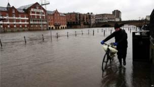 Calles inundadas en York. Foto: PA
