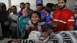 Pemakaman petugas polio yang diserang