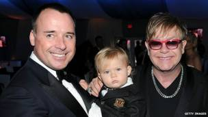 Elton John, David Furnish y su hijo