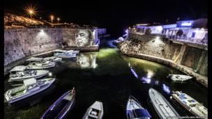 Pintura con luces en Marsella, por Phillipe Echaroux