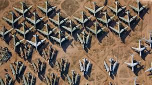 Alex MacLean pilota o próprio avião fotografando cidades e paisagens nos EUA e outros países