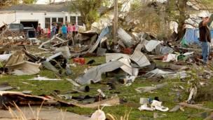 Daños provocados por tornados en EEUU