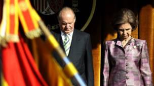 Rey Juan Carlos junto a la reina Sofía