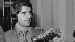 जे मूलर (1970, 1974- 14 गोल)