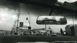 """Double Standard"", 1961. Dennis Hopper / Cortesía de Hopper Art Trust."