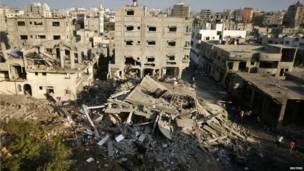 Ruinas de una casa en norte de la Franja de Gaza, que la policía asegura que fue destruida por un ataque aéreo israelí.