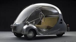 L'Oeuf eléctrico de 1942, diseñado y fabricado por Paul Arzens