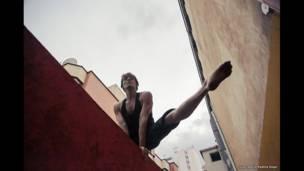 Artista circense colombiano en el III Laboratorio Nacional de Circo, Bucaramanga. Foto: Juan David Padilla.