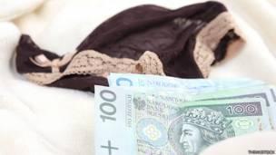 dinero en cama