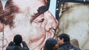 Mural en el Muro de Berlín