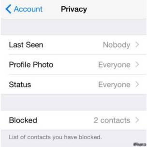 Captura de pantalla de sección configuración de WhatsApp en iPhone.