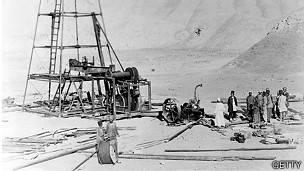Empleados de la compañía Anglo Iranian Oil en Persia.