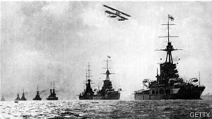 Ilustración de la flota británica durante la Primera Guerra Mundial.