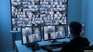 La automatización es dificil en taréas de vigilancia.