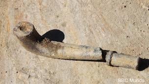 Pipa encontrada en las excavaciones del antiguo terreno de un pai de santo en Brasil.