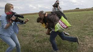 Filman a la periodista húngara