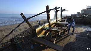 ¿Qué hace que los terremotos de gran magnitud sean menos mortíferos en Chile que en otros países sísmicos? 150917142059_chile_terremoto_304x171_ap