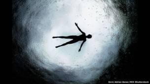 أعماق البحر، إنريك أدريان جينجر.