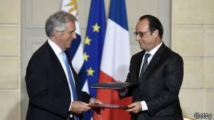 Tabaré Vázquez (izquierda) y François Hollande (derecha).