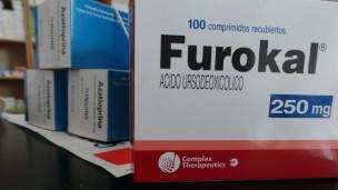 La farmacia popular enfrenta también sus oponentes. Un senador de la oposición calificó la idea como