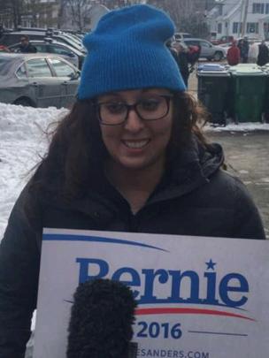 Elizabeth Morrow apoya a Sanders en New Hampshire.