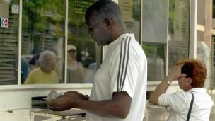Extraer dinero de un banco en Cuba no sería motivo de preocupación por la seguridad.