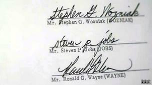 Firmas de los tres fundadores de Apple