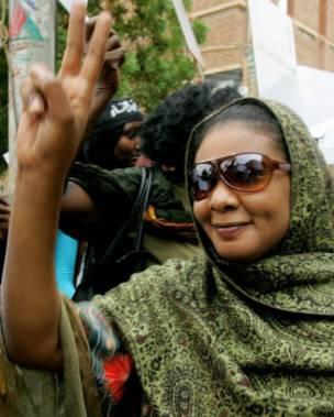 La periodista Lubna al-Hussein