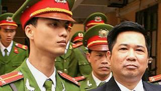 Ông Cù Huy Hà Vũ tại phiên xử